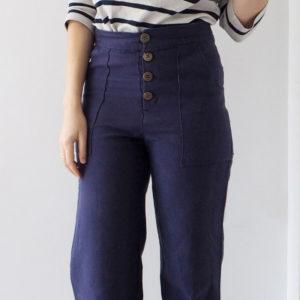 Photo du Pantalon Lander rcousu par Elena du blog Randomly Happy avec un tissu natté couleur éclipse des Trouvailles d'Amandine