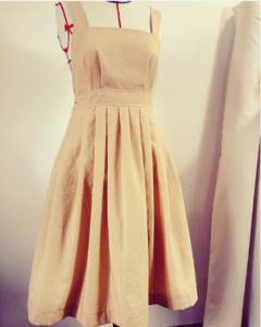 robe cousue par lesalondecouture en chambray safran